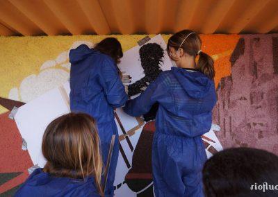 Graffiti Street art Intervention à la bombe aerosol pour le rempliissage du pochoir avec la participation dles collégiens de la ville Porto Vecchio en Corse