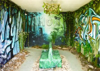 Graffiti Street art Exposition Peinture et installation en collaboration avec Andrea ( Installation des structures ) High et Amok ( peinture graffiti murale ) dans la tour Misaine en 2015 à Aix les Bains en Savoie