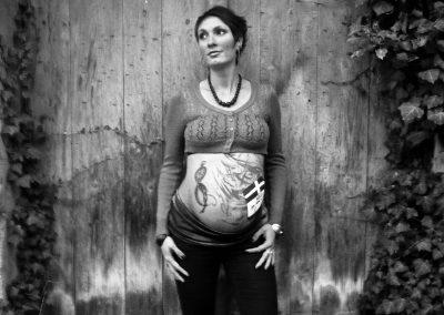 Belly painting Graffiti Modèle Claire Bmode en 2014 à Chambéry (74)