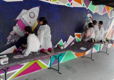 Les élèves en action sous le préau de l'école du Fayet à Saint Gervais en Haute Savoie ( 2018 ) Graffiti Street art