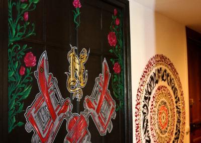 Décoration terminée dans le Needle house chez Nao Graffiti Street art