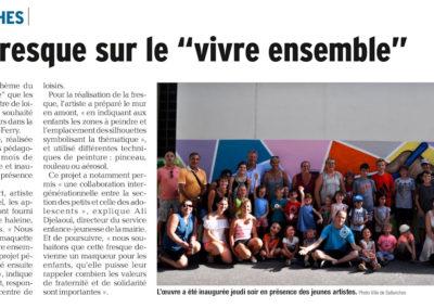 Article de presse ( Le Dauphiné ) concernant la réalisation de la fresque murale avec les enfant de l'école Jules Ferry à Sallanches en Haute-Savoie ( 2017 )